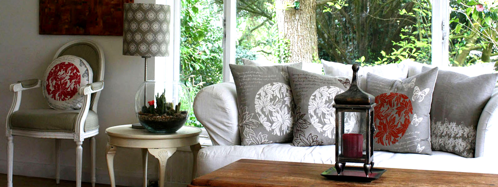 Country living room interior design and styling details by Moji Salehi at Moji Interiors in Hove.