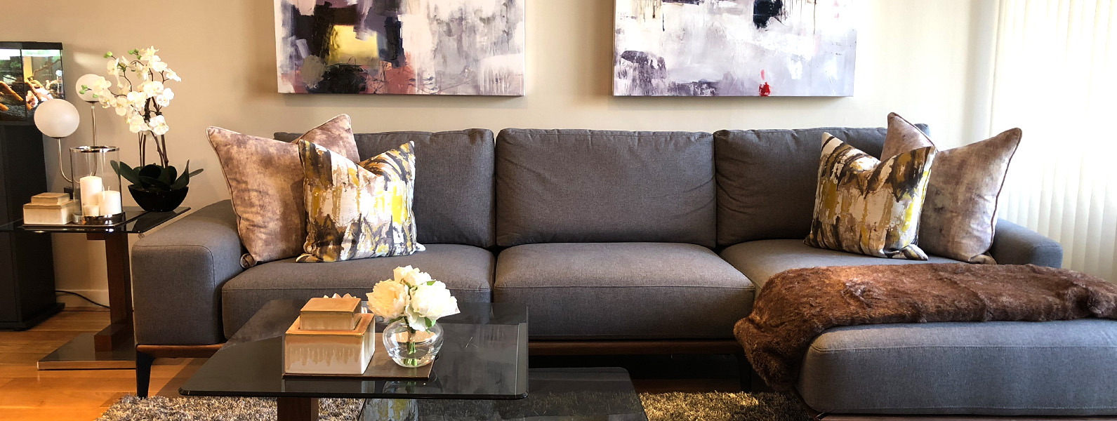 Living room, interior design and styling details by Moji Salehi at Moji Interiors in Hove